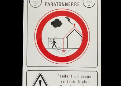 16 008 – Placa de señalización (peligro: rayo) / Griza